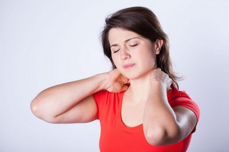 How to get rid of stiff neck at home